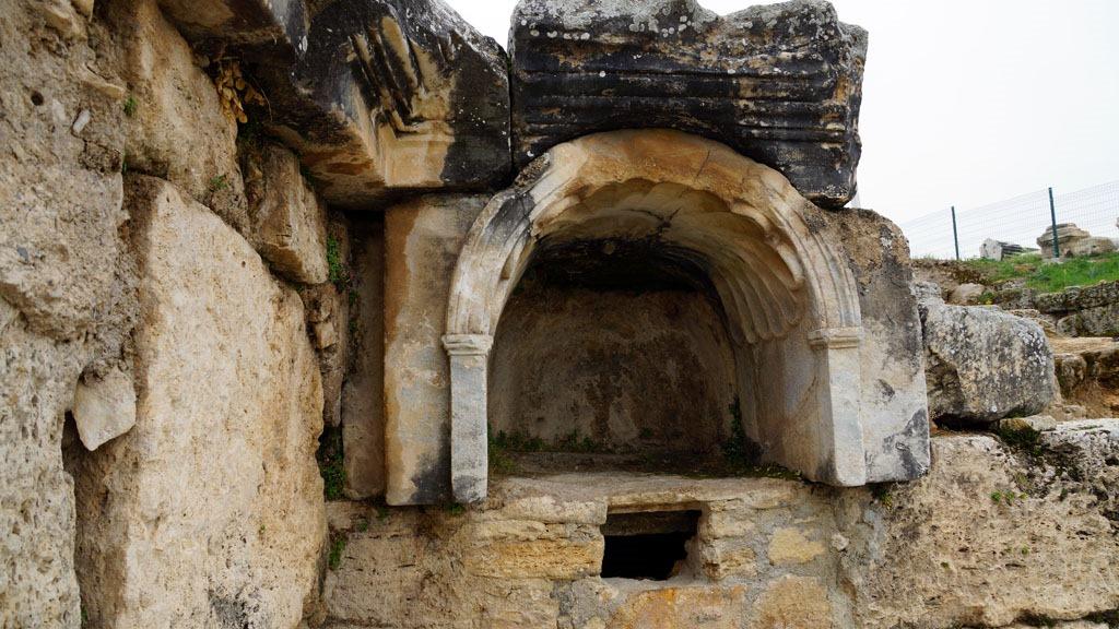 Πώς πραγματικά γινόταν οι θυσίες στην πύλη της Κολάσεως